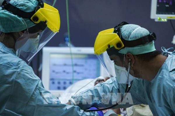 WHO cảnh báo dịch COVID-19 nguy hiểm gấp 10 lần bệnh cúm H1N1