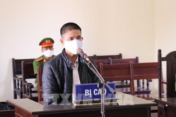 Phạt tù các đối tượng chống người thi hành công vụ tại chốt kiểm dịch COVID-19