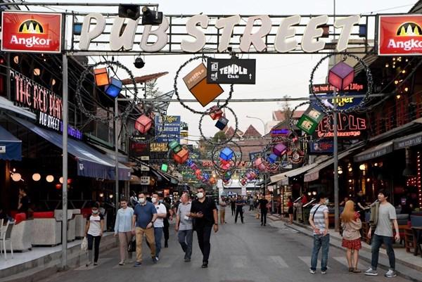 Khách quốc tế đến Campuchia giảm hơn 74%
