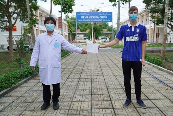 Việt Nam có thêm 2 bệnh nhân mắc COVID-19 được công bố khỏi bệnh