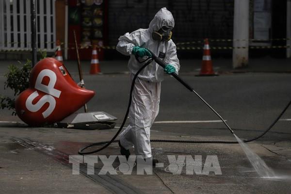 """Brazil đối mặt với nguy cơ """"vỡ trận"""" bệnh viện vì COVID-19"""