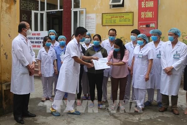Ba bệnh nhân mắc COVID-19 được công bố khỏi bệnh