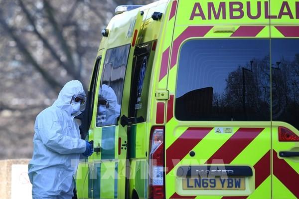 Chính phủ Anh lần đầu cấp phép mẫu máy thở
