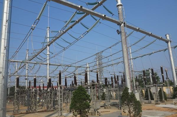 Truyền tải điện Quảng Bình hoàn thành nhiều hạng mục sửa chữa thường xuyên