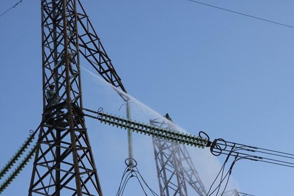 Truyền tải Điện Kon Tum đảm bảo vận hành lưới điện mùa khô 2020