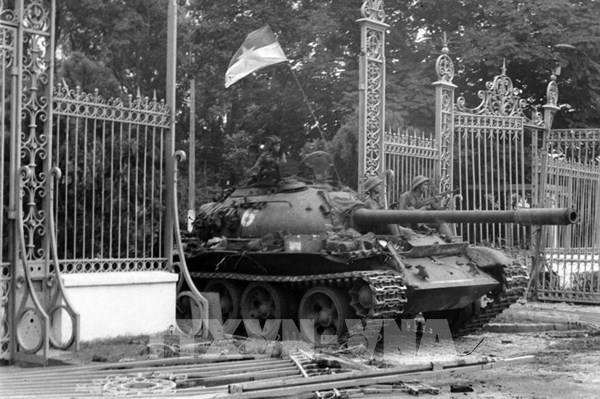 """45 năm thống nhất đất nước: """"Đây là Đài Phát thanh Giải phóng…""""  """