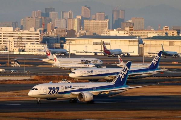 Hàng không Nhật Bản vẫn duy trì các chuyến bay nội địa dù nhu cầu giảm mạnh
