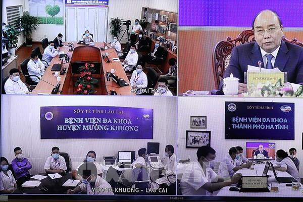 Thủ tướng dự khai trương nền tảng hỗ trợ khám chữa bệnh từ xa