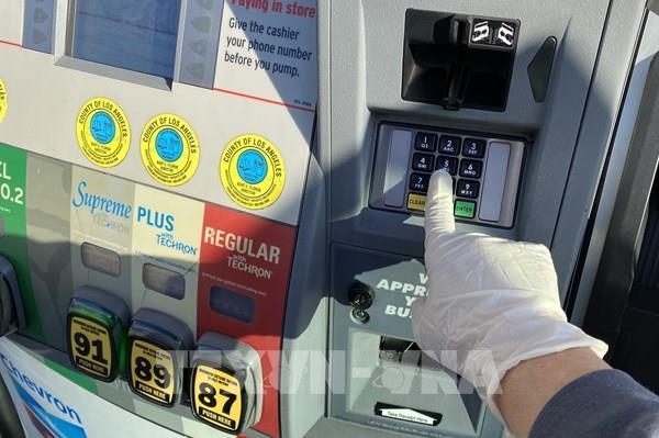 Giá dầu Mỹ giảm gần 20% trong tuần giao dịch vừa qua