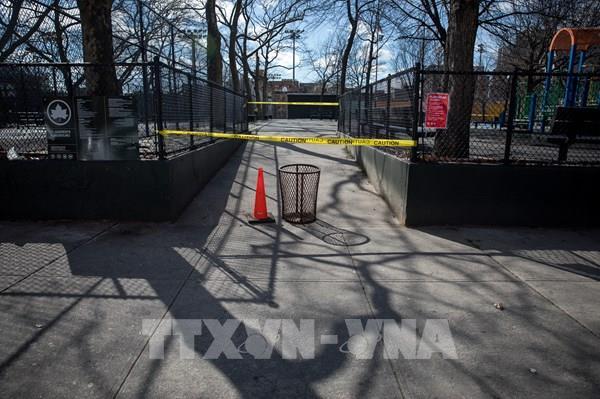 Bang New York phạt hơn 50 người vi phạm quy định giãn cách xã hội