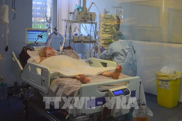 Pháp thử nghiệm cách ly bệnh nhân COVID-19 trong khách sạn