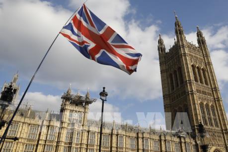 Dịch COVID-19 làm trầm trọng thâm hụt ngân sách của Anh