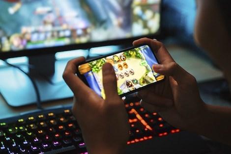 Facebook ra mắt ứng dụng chơi game trực tuyến