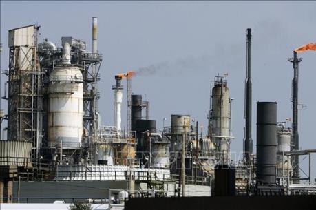 """Sức ép dư cung khiến giá dầu khó trở lại trạng thái """"bình thường"""""""