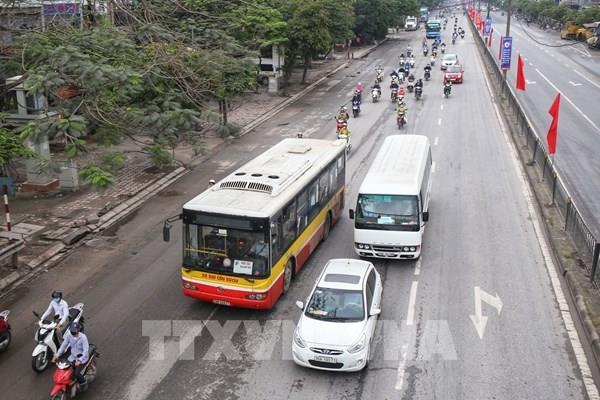 Xe buýt hoạt động trở lại trên 104 tuyến ở Hà Nội