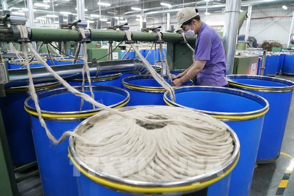 Kinh tế Trung Quốc đang dần hồi phục nhưng nguy cơ suy thoái vẫn cao