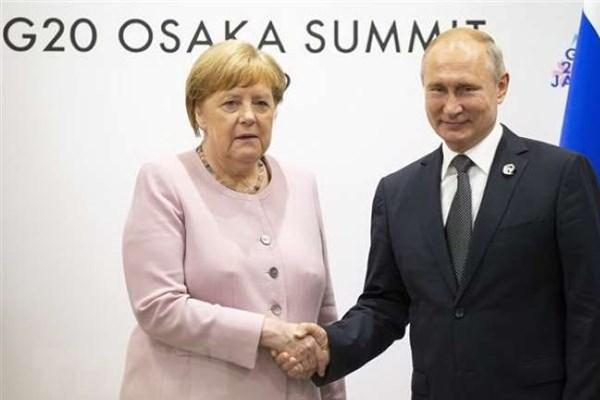 Lãnh đạo Đức, Nga điện đàm về các vấn đề nóng trên thế giới