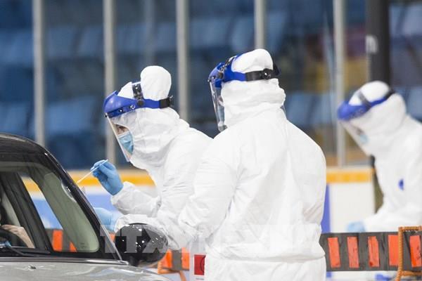 Canada chi 780 triệu USD để nghiên cứu vắc-xin và cách điều trị COVID-19