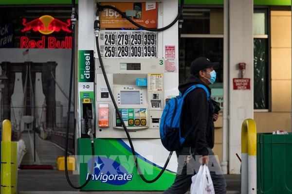 Giá dầu WTI bật tăng hơn 25% trong tuần qua