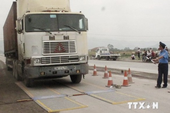 Xử lý gần 1.800 xe chở quá tải, phạt hơn 21 tỷ đồng
