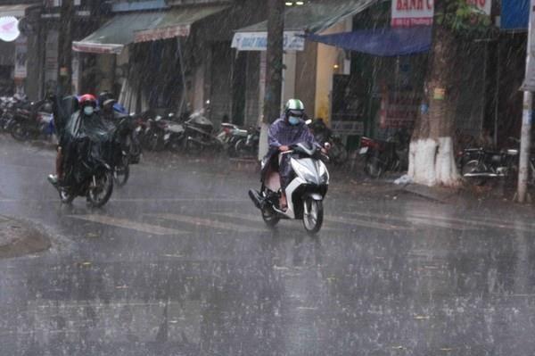 Dự báo thời tiết 3 ngày tới: Bắc Bộ chiều tối có mưa dông diện rộng