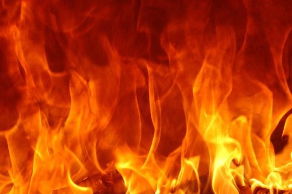Cháy lớn tại xưởng sản xuất nệm tại Quảng Ngãi