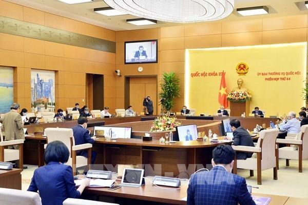 Ban hành Nghị quyết về bổ sung dự toán thu ngân sách nhà nước