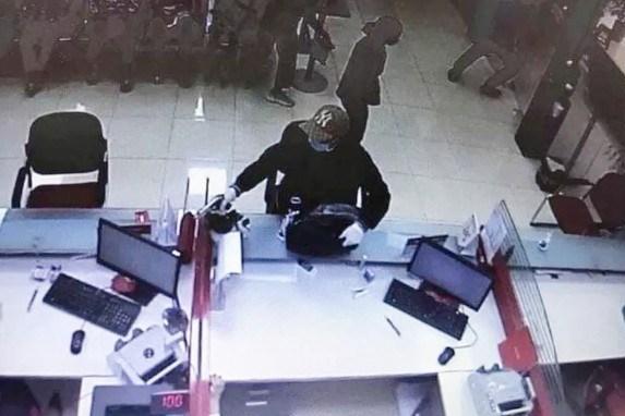 Vụ cướp ngân hàng tại huyện Sóc Sơn, Hà Nội: Nghi can ra đầu thú