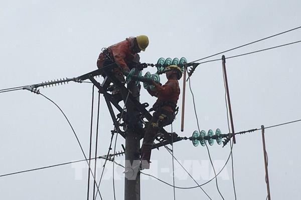 Sơn La cấp điện trở lại cho khách hàng bị ảnh hưởng thiên tai
