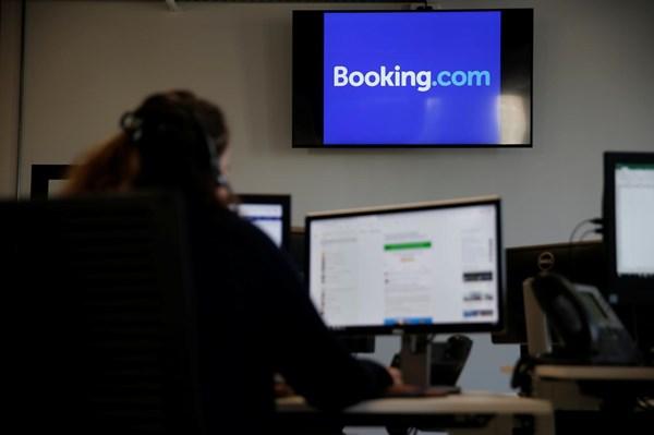 Booking.com nhận án phạt 7 triệu euro ở Hungary