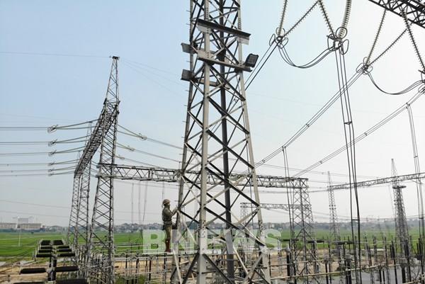 Thả diều và nguy cơ mất an toàn lưới điện truyền tải