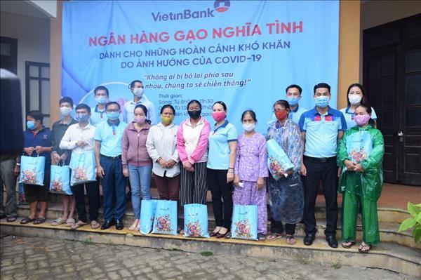 """VietinBank triển khai """"Ngân hàng gạo nghĩa tình"""" hỗ trợ người dân gặp khó vì COVID-19"""