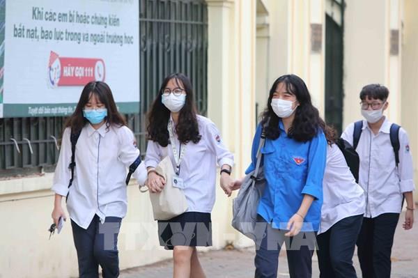 Hà Nội: Học sinh THCS, THPT đi học trở lại