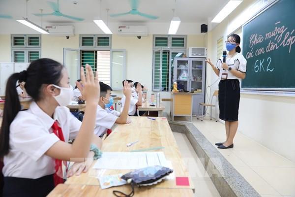 Bộ trưởng Bộ Giáo dục và Đào tạo: Không bắt học sinh làm quá nhiều bài kiểm tra