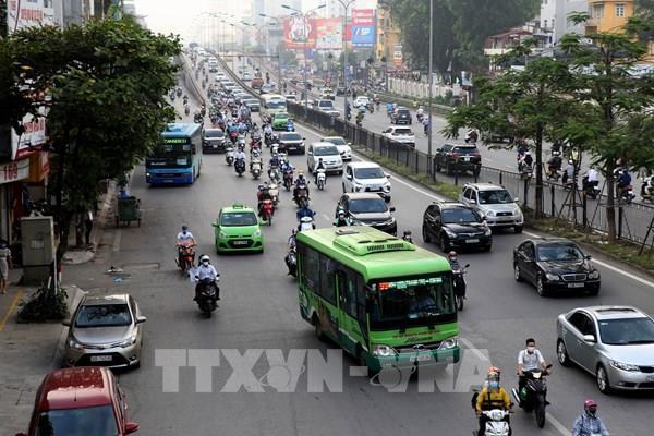 Điều chỉnh 16 tuyến xe buýt để sửa mặt cầu Thăng Long