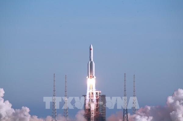 Tên lửa đẩy Trường Chinh-5B của Trung Quốc thực hiện chuyến bay đầu tiên