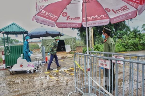 Dịch COVID-19:  Hà Nội dỡ lệnh cách ly thôn Hạ Lôi vào 0 giờ ngày 6/5