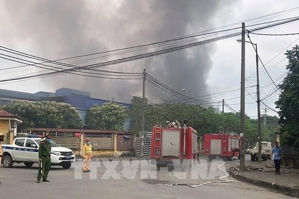 Cháy lớn tại khu công nghiệp Phú Thị, Hà Nội
