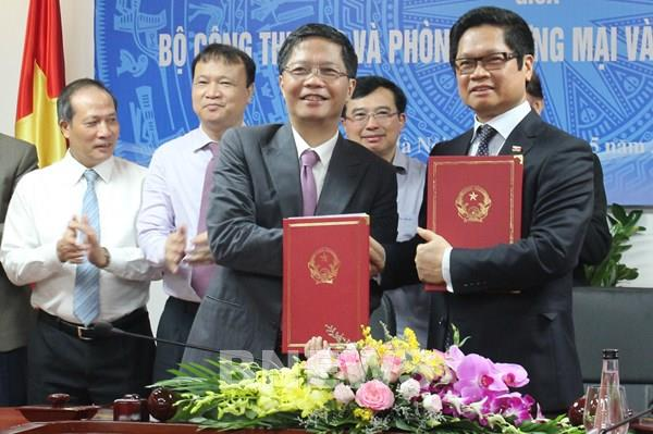 Bộ Công Thương và VCCI cùng hợp tác kết nối thị trường, thúc đẩy xuất khẩu