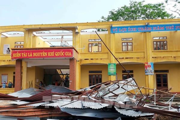 Thái Nguyên: Hơn 1.800 nhà bị tốc mái do giông lốc