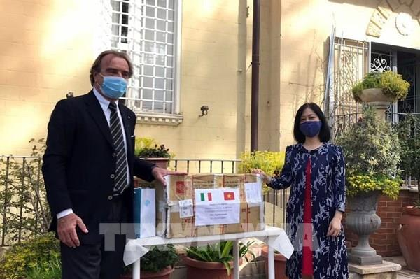 Người Việt tại Italy bình tĩnh trong đại dịch COVID-19