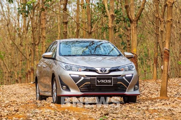 Dịch COVID-19: Doanh số bán xe của Toyota Việt Nam giảm 33%