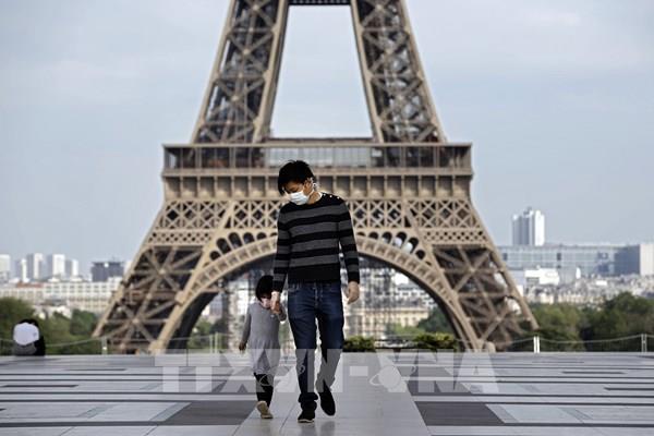 Pháp ghi nhận hơn 27.000 ca tử vong vì COVID-19