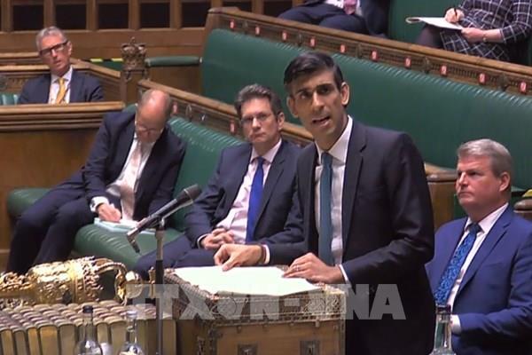 Nước Anh kéo dài chương trình hỗ trợ người lao động tới tháng 10/2020