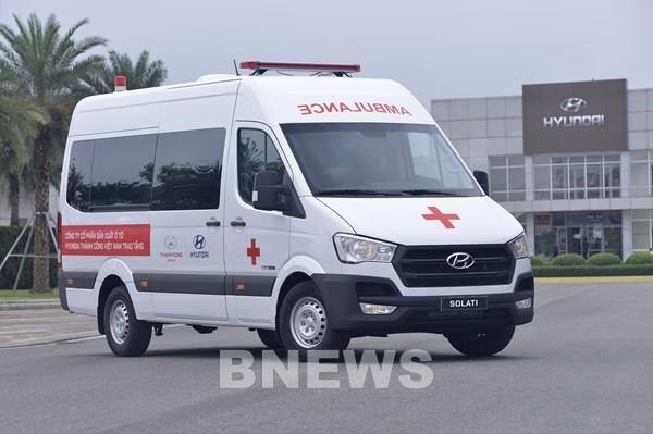 Tập đoàn Thành Công tặng 10 xe Solati cứu thương chống dịch COVID-19