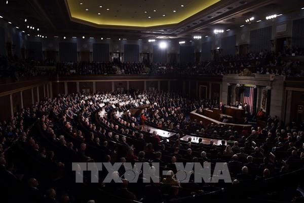 Hạ viện Mỹ công bố dự luật hơn 3 nghìn tỉ USD để giảm thiểu tác động dịch COVID-19