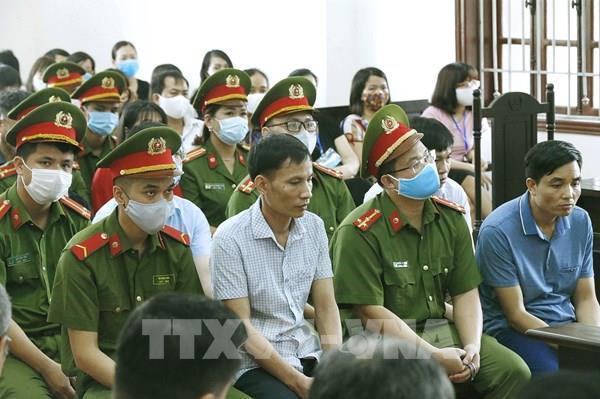 Xét xử vụ gian lận điểm thi tại Hòa Bình: Tiếp tục thẩm vấn, xét hỏi các bị cáo