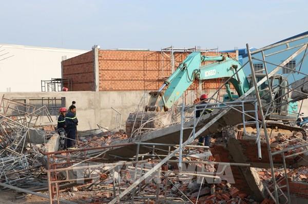 Sập công trình trong KCN Giang Điền: 10 người chết, 15 người bị thương