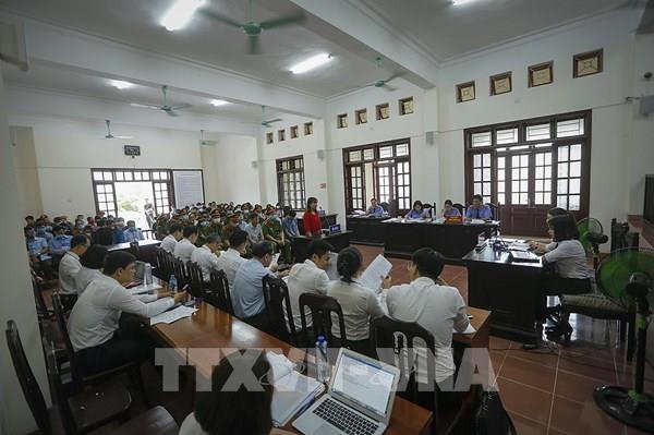 Vụ gian lận điểm thi tại Hòa Bình: Mức án đề nghị với bị cáo cao nhất từ 7-8 năm tù giam