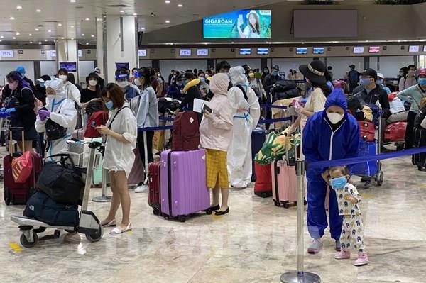 Đưa gần 200 công dân Việt Nam từ Philippines về nước an toàn